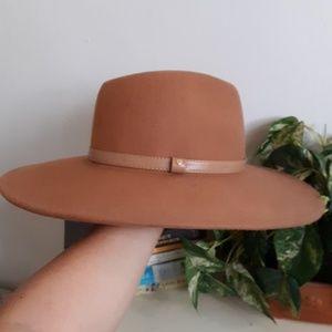 Wide brim hat/fedora by f21